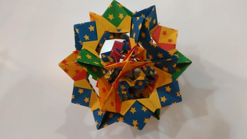【患者さんの作品】立体の折り紙